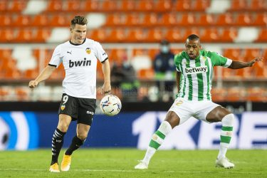 Uninspired Los Che crumble to a 2-0 home defeat to Real Betis