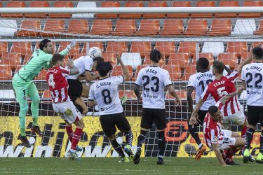 Valencia fight back to salvage draw against Athletic Bilbao
