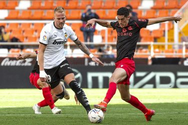 Mayhem At The Mestalla: Valencia come from behind to draw 2-2 with Real Sociedad