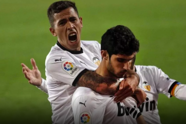 Valencia's new No. 10: Can Oliva be like club legends Mata and Angulo?