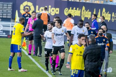 NO ROOM FOR RACISM: Ugly incident and defeat wreck Valencia's visit to Cadiz