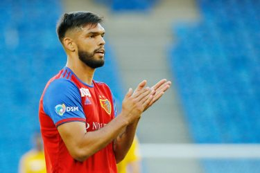 Transfer News: Defender Omar Alderete Joins Valencia