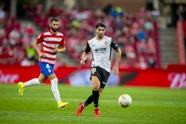 Soler's spot kick saves Valencia in 1-1 draw with Granada