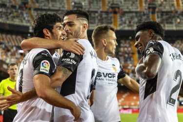 Guedes the chief destroyer as ferocious Valencia tear Alaves apart