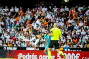 Valiant Valencia fall to Real Madrid's late comeback
